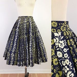 1950s Navy Floral Pleated Full Skirt XS Green
